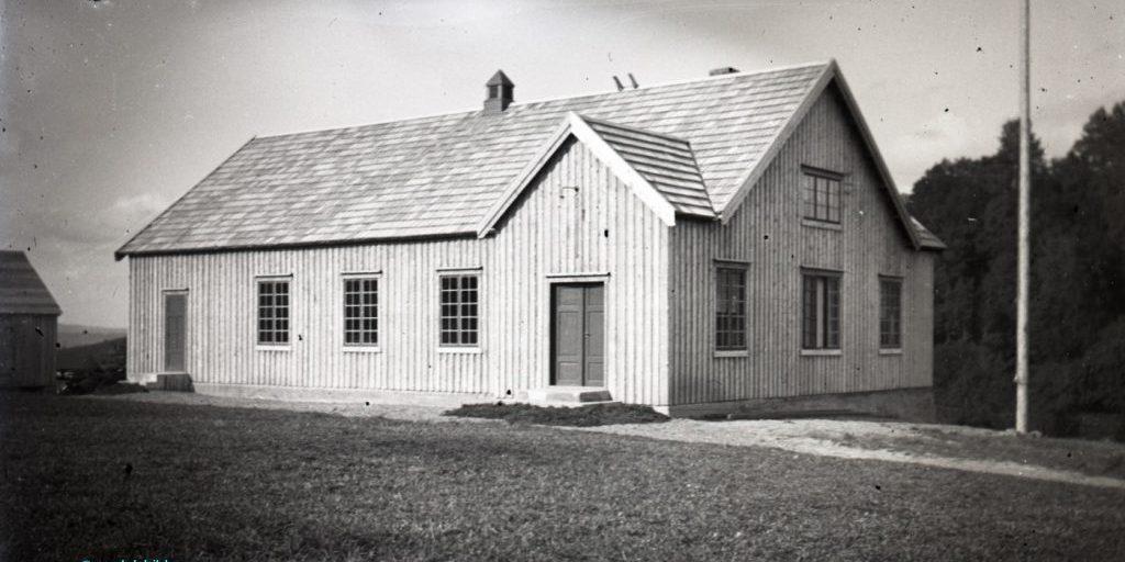 Nybygd forsamlingshuset i Nord-Leksdal. Fotograf Nikolai Malmo. Bildet utlånt av SNK